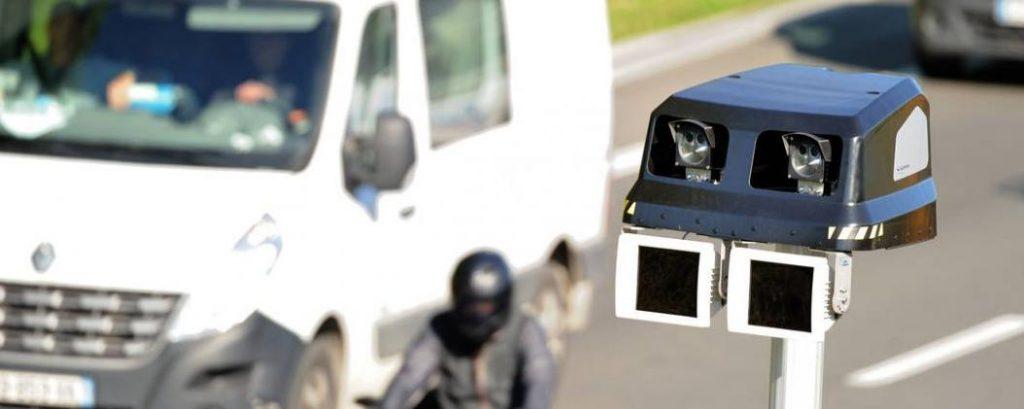 Informer d'un contrôle de vitesse sur les réseaux sociaux est actuellement possible. © Philippe HUGUEN / AFP/Archives