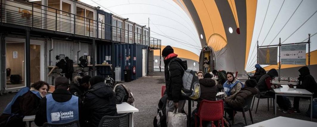 Le contrôle et l'expulsion des étrangers en situation irrégulière devrait être revu en 2018. © Philippe LOPEZ / AFP/Archives